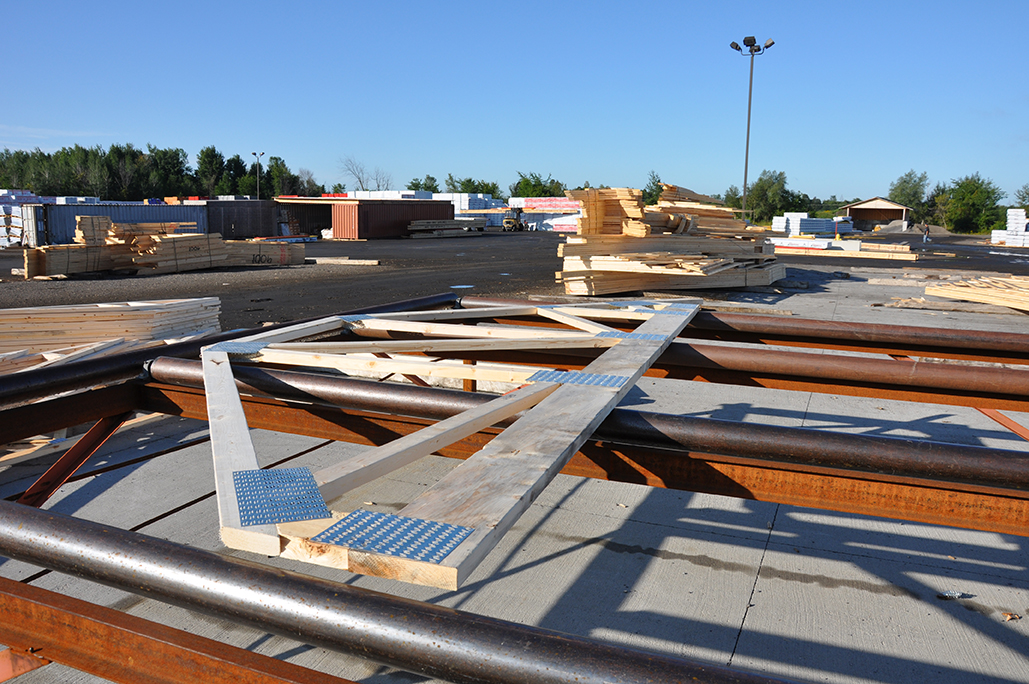 Grandor lumber roof trusses for Pre engineered roof trusses